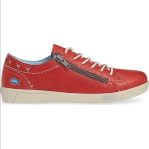 Cloud shoes sneaker in red with side zipper